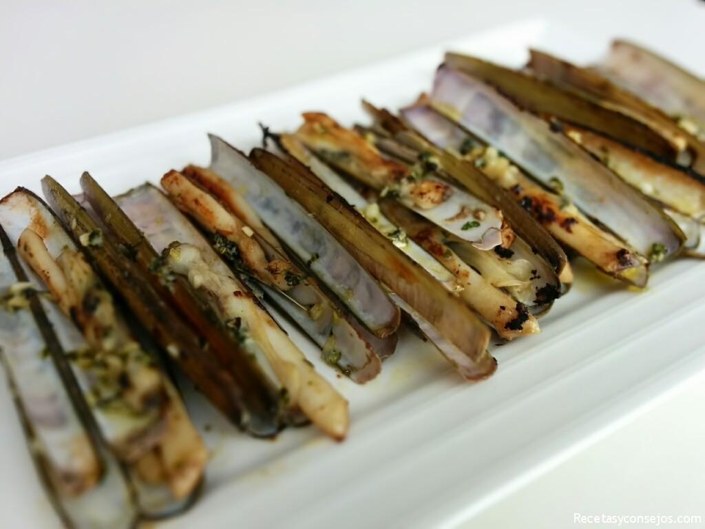 Navajas a la plancha recetas y consejos for Como cocinar navajas frescas