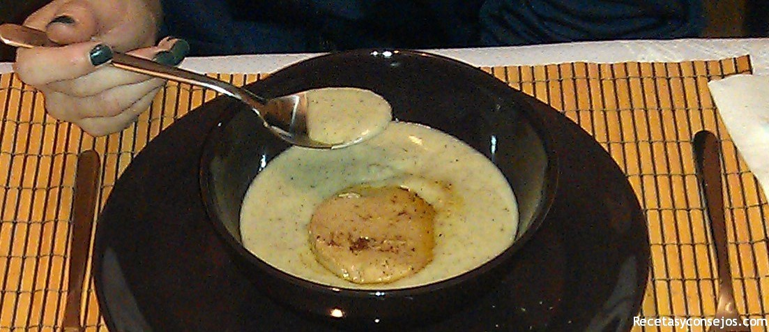 Crema de calabacín con medallón de foie gras